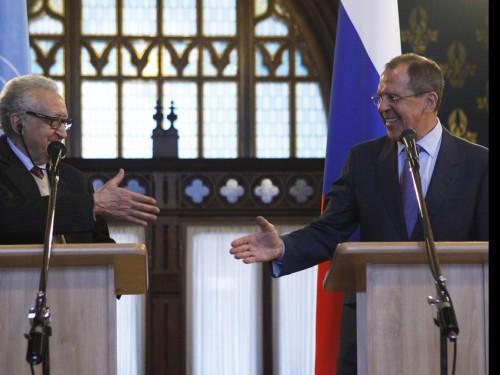 Le-m-diateur-alg-rien-Brahimi-et-ministre-russe-des-Affaires-Etrang-res-Lavrov-Moscou-le-29-d-cembre-2012