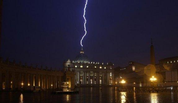 foudre_vatican_AFP